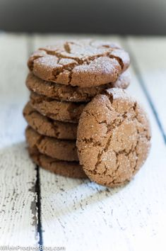 A declicious gingersnap cookie recipe that is dairy free, crunchy yet chewy and cracks beautifully on top! It's the perfect cookie for the holidays! Keto Cookie Dough, Keto Cookies, Sandwhich Cookies, Fun Desserts, Dessert Recipes, Yummy Recipes, Recipies, Biscuits, Ginger Snap Cookies