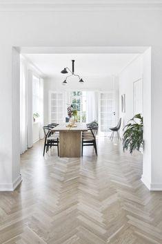Calming Minimalism in the Home of Designer Kathrine Espersen — danish design space Scandinavian Interior Design, Home Interior Design, Nordic Design, Küchen Design, House Design, Dining Table Design, Danish Design, Sweet Home, New Homes