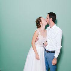 www.foto-sarok.hu Tulle, Wedding Dresses, Skirts, Fashion, Bride Dresses, Moda, Bridal Gowns, Fashion Styles, Skirt