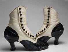 la chaussure ◕ edwardian spat boots shoes retro vintage black and white Edwardian Shoes, Victorian Shoes, Edwardian Fashion, Vintage Fashion, Edwardian Style, Bohemian Fashion, Bohemian Style, Vintage Mode, Vintage Ladies