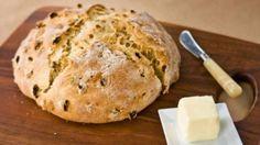 Soda bread with golden raisins - The Boston Globe Churros, Italian Pastries, Baking Company, Golden Raisins, Corn Beef And Cabbage, Soda Bread, Russian Recipes, Bread Baking, Bakery