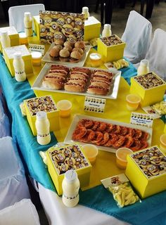 Minion Party Table