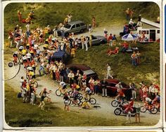 A 'suggested use' from the box the Unpainted Cycle Racer kit #16340 comes in. A dirt road mountain climb diarama with riders, spectators, support motos, vendors, sunbathers, a picnic, hikers/hitchikers and even random parked cars. Just imagine this in the middle of someone's model railroad set-up. COOL!