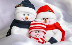 Download wallpapers snowman family, New Year, Christmas, snowman, toys