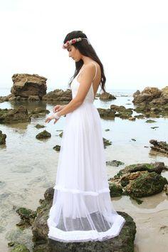 A boho white wedding