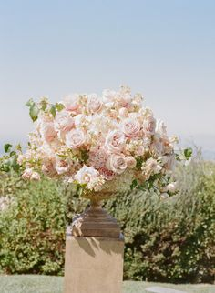 Blush palette altar arrangements :: Thomas Fogarty Winery Wedding from Erin Hearts Court  Read more - http://www.stylemepretty.com/2013/06/14/thomas-fogarty-winery-wedding-from-erin-hearts-court/
