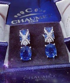 #Christmas ❄ @Chaumetofficial Liens blue sapphire earrings, origin Ceylon non-heated ️ #Chaumet #Chaumetliens