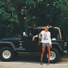 @Victoria Brown Tandy okay if i end up getting a jeep instead of a truck..it needs to look like this :D