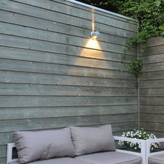 Sfeerfoto zilver buitenlamp up down led Oslo 1580L #Modern #Tuinverlichting Oslo, Led Lamp, Up, Outdoor Structures, Modern, Design, Gardens, Trendy Tree