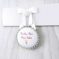 Alerta de tendência! Pompons na decoração do quarto de bebê
