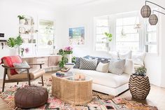 """Beachy"" Meets ""Boho"" In This California Home 