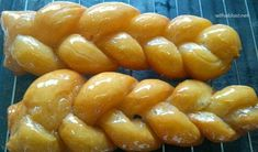 South-African Koeksisters are syrup drenched, deep-fried dough sweet treats and loved by young and old. Pancakes And Waffles, Pudding Recipes, Pretzel Bites, Crepes, Syrup, Donuts, Sweet Treats, Spices, Goodies