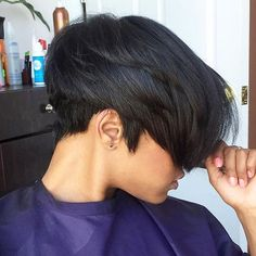 STYLIST FEATURE| Love this pixie by #charlottestylist @mochadumore  It's all in the cut✂️ #voiceofhair ========================== Go to VoiceOfHair.com ========================= Find hairstyles and hair tips! =========================