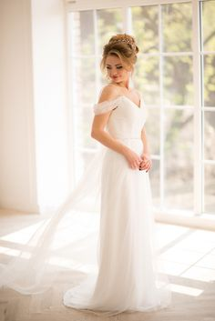 The epitome of elegance! Our new sheath gown!