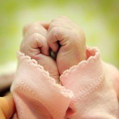 Ideias para fotografar mãos de bebê | Macetes de Mãe #Photography