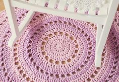 Crochet Mandala Rug What You'll Be CreatingIn this tutorial we'll be making a beautiful crochet rug, made from T-shirt yarn. The pattern uses US terms and stitches include slip stitch (sl st); Diy Crochet Rug, Motif Mandala Crochet, Mandala Rug, Crochet Rug Patterns, Crochet Home, Crochet Crafts, Crochet Doilies, Crochet Projects, Free Crochet