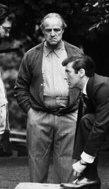 Francis Ford Coppola Marlon Brando And Al Pacino On The Set. Corleone Family, Don Corleone, The Godfather, Young Al Pacino, Call Me Al, Gangster Films, The Devil's Advocate, Francis Ford Coppola, Bridget Jones