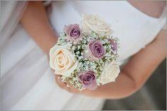 {Bride's BEAUTIFUL Posy Featuring: Cream & Lavender Roses, & Baby's Breath (Gypsophila)···························}