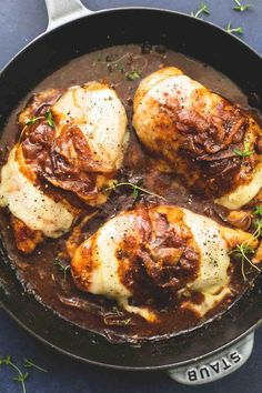 Saucy one pan French onion chicken with juicy pan-seared chicken smothered in caramelized onion gravy and three kinds of melty Italian cheese. This 30 minute meal will be a staple in your house! Turkey Recipes, Chicken Recipes, Dinner Recipes, Chicken Appetizers, Food Dishes, Main Dishes, French Onion Chicken, French Chicken Dishes, Cheesy Recipes