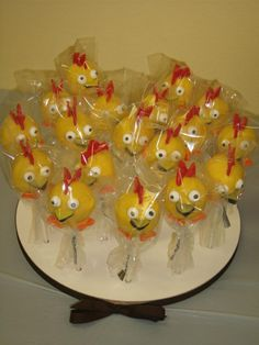 Chica Sprout Cake Pops   Like the Fan Page: http://www.facebook.com/sweetbudsbakeryfans