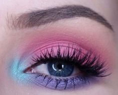 guide for beginners to a perfect eye make-up - Mademoiselle O & . Eyeliner A guide for beginners to a perfect eye make-up - Mademoiselle O & . Eyeliner A guide for beginners to a perfect eye make-up - Mademoiselle O & . 80s Eye Makeup, Makeup Eye Looks, Purple Eye Makeup, Colorful Eye Makeup, Eyeshadow Makeup, Pastel Makeup, Makeup Brushes, Rainbow Makeup, Prom Makeup