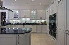 Design_Matters_Bespoke_shaker_painted_kitchen.jpg 1,024×661 pixels