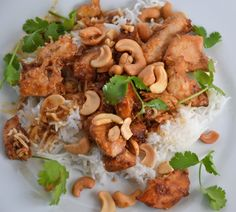 Slow Cooker Cashew Chicken-- Doesn't this look wonderful!  Via Faith Fitness and Nutrition.