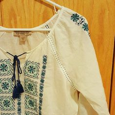 White Bohemian Vintage America Embroidered Blouse Perfect condition. Light soft cotton. A little sheer, should be fine with a nude bra Nine West Tops Blouses
