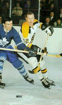 12 Wayne Cashman. Bruins Boston Bruins Hockey, Women's Hockey, Hockey Players, Hockey Stuff, Boston Sports, Boston Red Sox, Poke The Bear, Maple Leafs Hockey, Vancouver Canucks