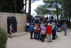 Holocaust Martyrs' and Heroes' Remembrance Day 2012 - Yad Vashem