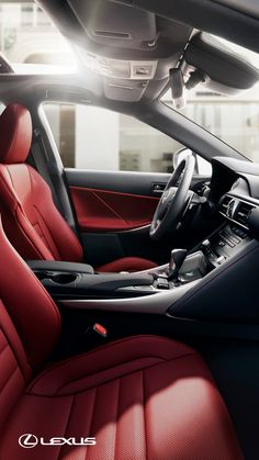 Discover the uncompromising capability of the 2019 Lexus IS.