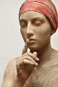 Bruno Walpoth - Werke - Galerie Straihammer und Seidenschwann Sculpture Head, Metal Sculptures, Abstract Sculpture, Bronze Sculpture, Art Carved, Oeuvre D'art, Wood Art, Sculpting, Richard Serra