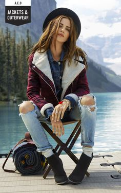 When the weather cools down, stop by American Eagle Outfitters to grab one of our jackets or coats for women to fit your style.