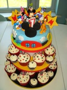 Art Mickey Mouse Clubhouse 1st Birthday Cupcakes cute-for-kiddo