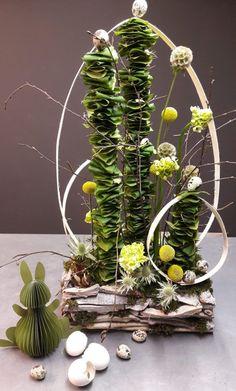 Paasworkshop - Flowers and friends - Griselda STIRKEY - osterdeko - Easter Flower Arrangements, Easter Flowers, Summer Flowers, Floral Arrangements, Deco Floral, Arte Floral, Floral Design, Flower Meanings, Beautiful Flowers Garden