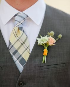 Spray Rose Boutonniere | small clusters of gomphrena and spray roses