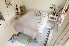 Waan je altijd in de lente en ga met een vrolijk gevoel slapen met #vlinders die rondvliegen over je bed. Het #Snurk Butterfly #dekbedovertrek is verkrijgbaar in drie maten (zowel eenpersoons als tweepersoons). Het dekbedovertrek is van katoen gemaakt. Hierdoor is dit dekbedovertrek sterk en slijtvast. #Flindersdesign #slaapkamer #interieur #wonen #modern #design