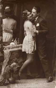 lovers 1920 vintage postcard