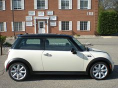 Mini Cooper-Black & White.