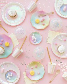 The 33 Best Rainbow Unicorn Wedding Trends You Need Right Now Unicorn Wedding, Unicorn Party, Rainbow Unicorn, Cake Photography, Flat Lay Photography, Pastel Room, Pastel Colors, Pastels, Image Pastel