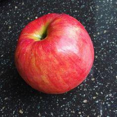 Мой перекус - яблоко Сады Придонья ❤️ это самые вкусные яблоки за этот год , такие только есть , никак не в запеканку или на варенье 😀только грызть 😋 ___ #зож#правильноепитание#пп#худеемвместе #худею#ешьихудей#худеюпослеродов##ппдневник#ппзавтрак#ппобед#ппужин#мотивация#ппеда#дневникпитания#дневникпп#здоровоепитание#вкусно#ппшка#жируходи#маманапп #завтрак#худеюправильно#похудение#здоровыйобразжизни#маманагв#диета#food #худеюнагв#ппперекус#foodporn  Yummery - best recipes. Follow Us…