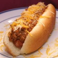 Here is the best Coney Island Hot Dog you will ever eat. In case you don& know the Coney Island Hot Dog refers to an all beef hot dog , all beef chili , mustard , and onions. And I personally think a Coney Island Hot Dog should always be grilled. Dog Recipes, Chili Recipes, Copycat Recipes, Sauce Recipes, Cooking Recipes, Hotdog Sauce Recipe, Recipies, Chilli Hot Dog, Best Hot Dog Chili Recipe