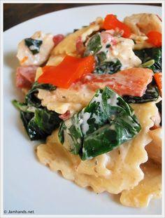 Easy Ravioli with Italian Cheese & Herb Cream Sauce, Chicken and Veggies