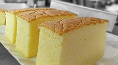 "Ogura cake, aka 相思蛋糕, hails from Batu Pahat , Malaysia. ""Ogura"" is a Japanese surname; ""相思"" means lovesick. Is there a love story behind th. Cheesecake Recipes, Cupcake Recipes, Baking Recipes, Cupcake Cakes, Dessert Recipes, Baking Ideas, Cupcakes, Bolo Chiffon, Ogura Cake"