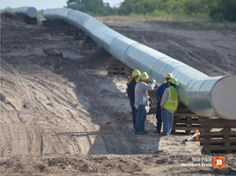 FALFURRIAS, Texas--A natural gas pipeline being constructed in the western portions of Brooks County is rapidly becoming a super-highway for illegal Oil Jobs, Pipeline Construction, Oil Platform, Gas Pipeline, Us Border, Land Of The Free, Sustainable Energy, Struggle Is Real, Pathways