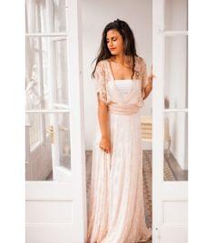 2067dbf12f8 Plunging ivory lace wedding dress - Gala Vintage