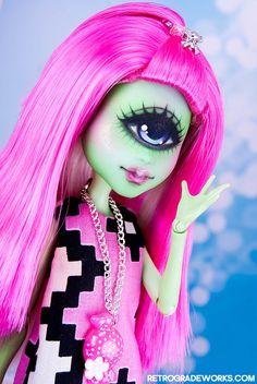 Custom Monster High Cyclops Eileen by retrogradeworks
