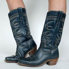 Vintage 70s/80s FRYE Boots. I had these boots...wish I knew where they were.