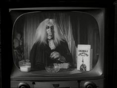 The Munsters Episode Zombo. I loved the Munsters. But this episode scared me out of my wits. Munsters Tv Show, The Munsters, London After Midnight, Herman Munster, Black Sheep Of The Family, Lily Munster, Yvonne De Carlo, Female Vampire, Count Dracula