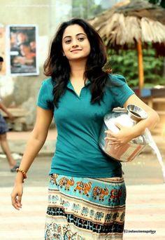 Beautiful Girl Indian, Beautiful Girl Image, Most Beautiful Indian Actress, Beautiful Actresses, Indian Actress Hot Pics, South Indian Actress Hot, Dehati Girl Photo, Desi Girl Image, Massage Girl